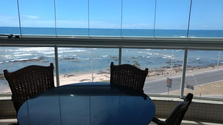 Vista mar na Pituba, decoradíssimo.