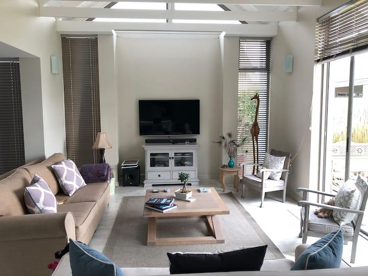 Modern 3 bed house in eco estate in Noordhoek