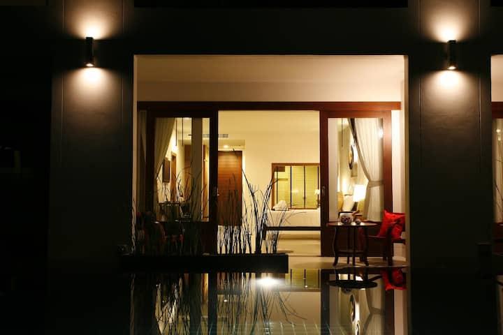 茶树精品度假村豪华特大床房-可直达泳池