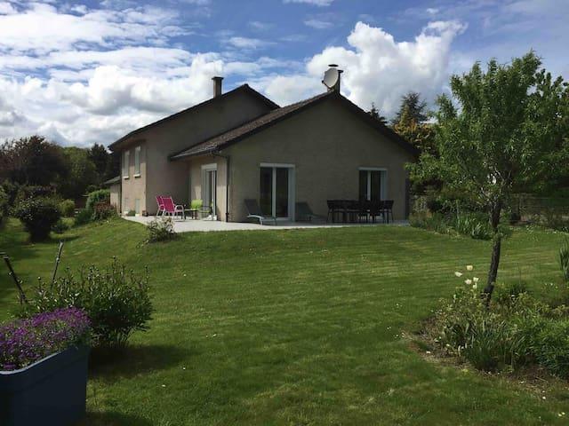 Maison entre vignes et bois