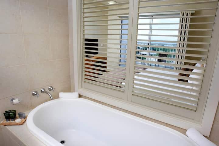 Comfortable Room Standard At Port Stephens