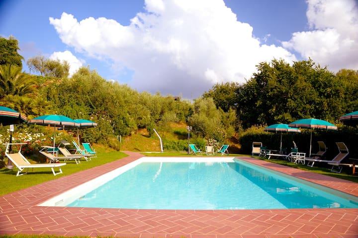 Villa Paradiso - Green. Peaceful. Petfriendly.