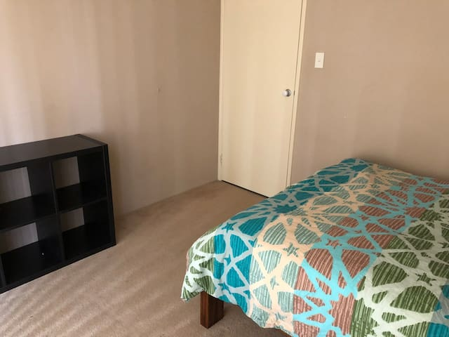 Room available in Port Kennedy 2