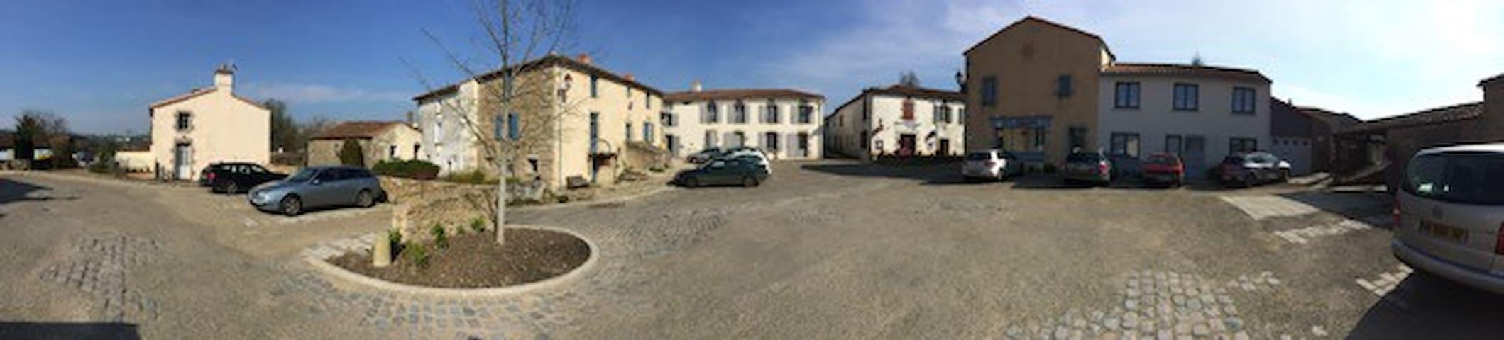 Gite à 10 mn du Puy du Fou - Mallièvre - Maison