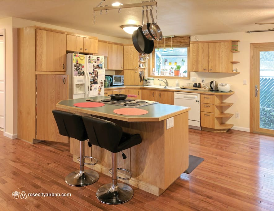 Homey kitchen area for social interaction