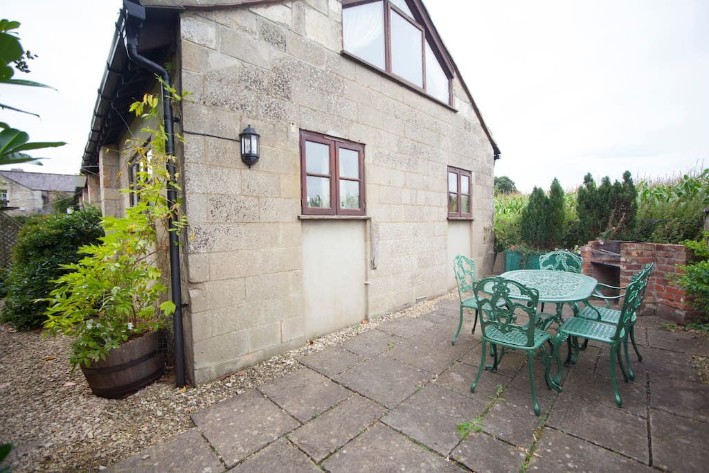 CowByre 2 Patio and BBQ