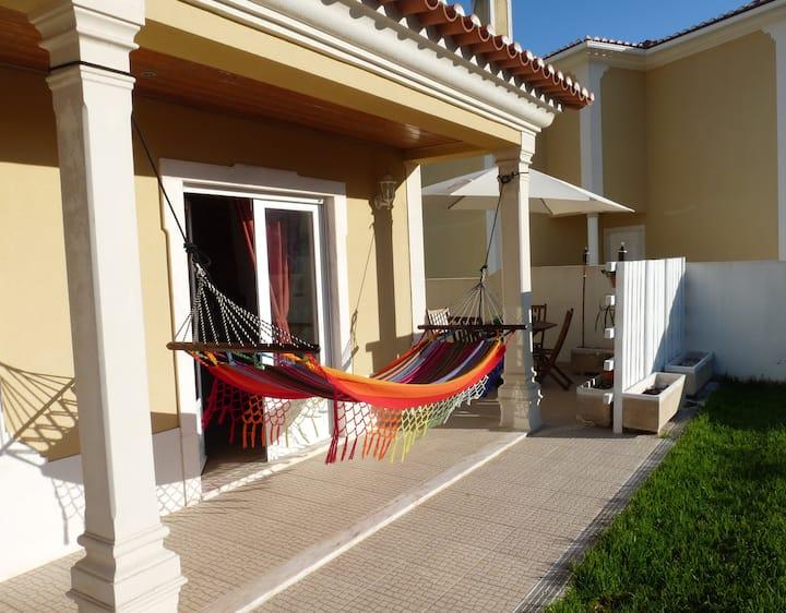CHILLAX - Ericeira Guest House ( Bunk Bed )