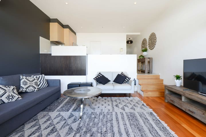 Beachfront apartment at it's best! - Port Melbourne - Apartamento
