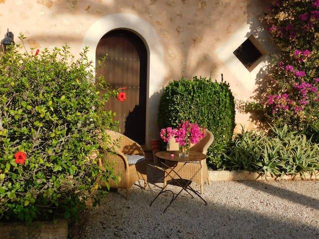 Romantic house near Cala Santanyi - Santanyí - Villa
