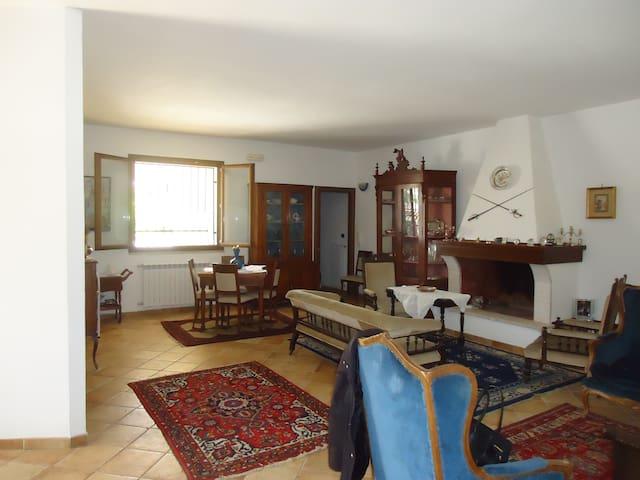Casa vacanze a pochi km dallo Jonio - Sava - Villa