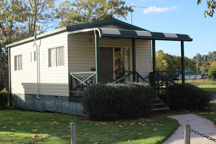 Gundagai Tourist Park -2 Bedroom Cabin