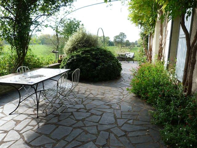 Longère typique des bords de Loire - Rochefort-sur-Loire - Rumah