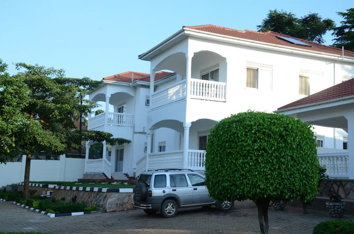 Muyenga Vacation Home - Executive Apartment