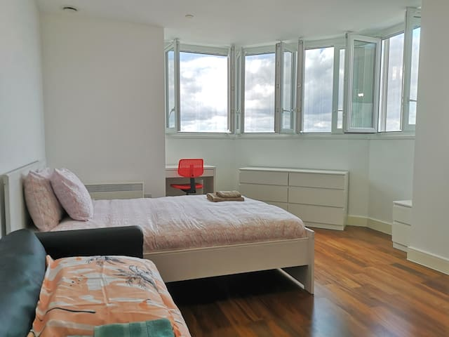 City Living Apartments - 1 Bed with Wifi