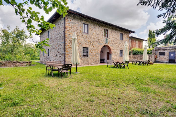 Cozy Farmhouse in Greve in Chianti with Swimming Pool