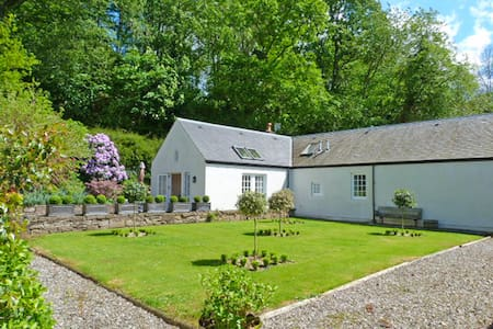 A very spacious cottage sleeps 4