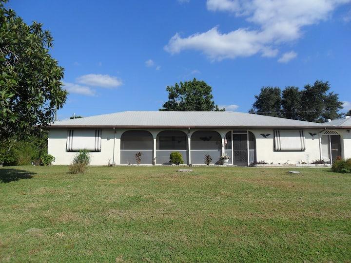 Englewood Holiday Rentals & Homes - Florida, United States ...