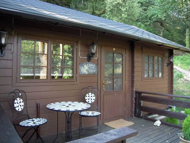Maple Lodge Log Cabin