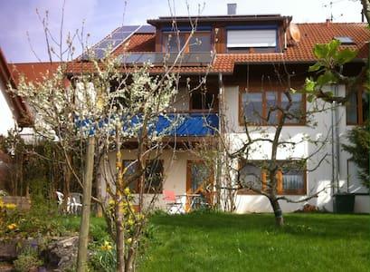 Einliegerwohnung mit Terrasse, sep. Eingang. - Ebhausen