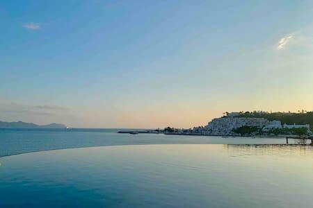 Hermosa villa en Manzanillo con vista al océano