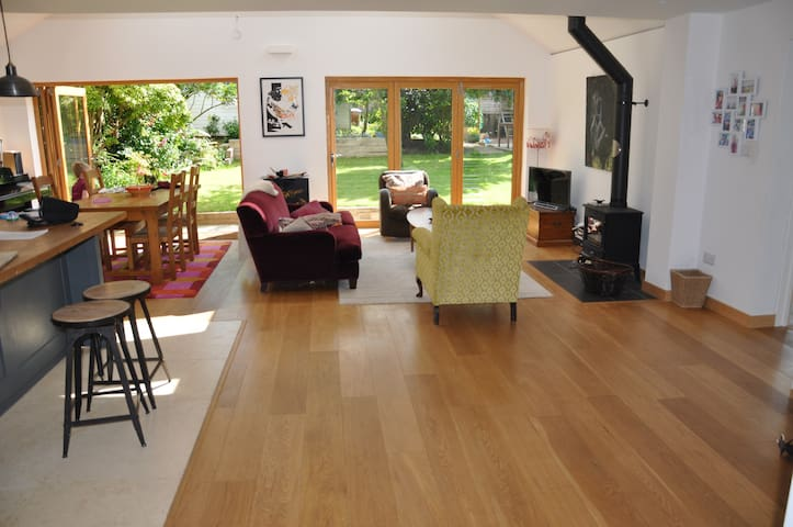 Fantastic Open Plan family house - Newick - Bungalov