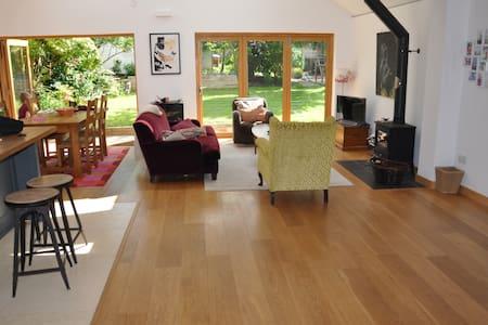 Fantastic Open Plan family house - Newick