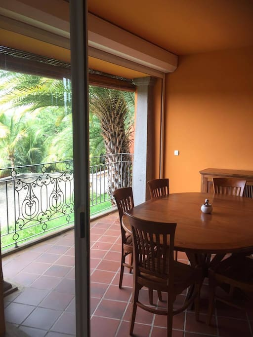 Dining table on the veranda.