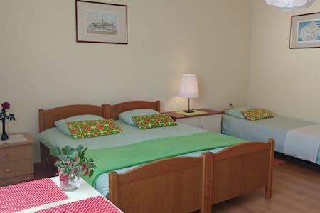 Room 3 Cecilia - 3 guests