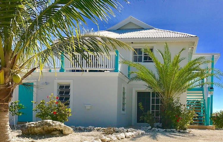 entire home, KING BEDS, WATERFRONT, PRIVATE POOL - Providenciales  - House