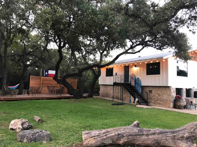 River Rock Ranch Just you/trees 🐿 on over 3 acres!