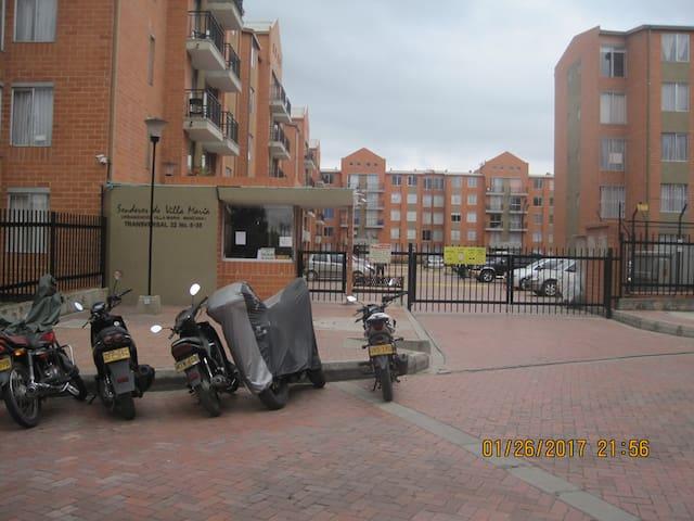 Comodo apartamento Cerca a la zona turistica - Zipaquirá - Lägenhet