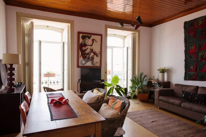 Room in Amazing Apartment - Lisboa - Bed & Breakfast