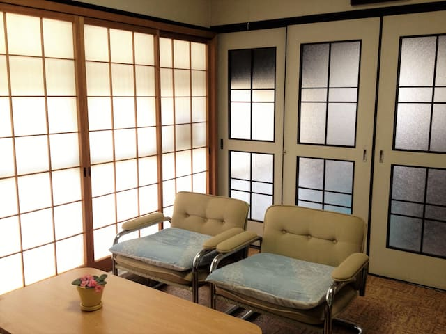 Spacious House 10min train to Kyoto
