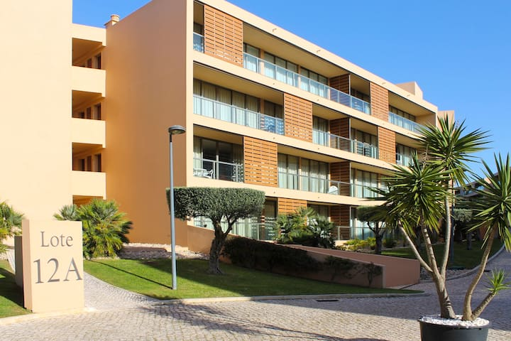 Herdade dos Salgados, 2 Bedrooms, T2-12A-1D is located next to the entrance of Vila das Lagoas, Albu