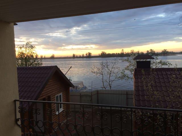 Вилла на острове на реке Днепр! - Херсон - House