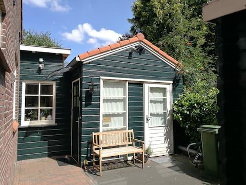 Private Tiny Haus/Studio in der Nähe Flughafen & Amsterdam