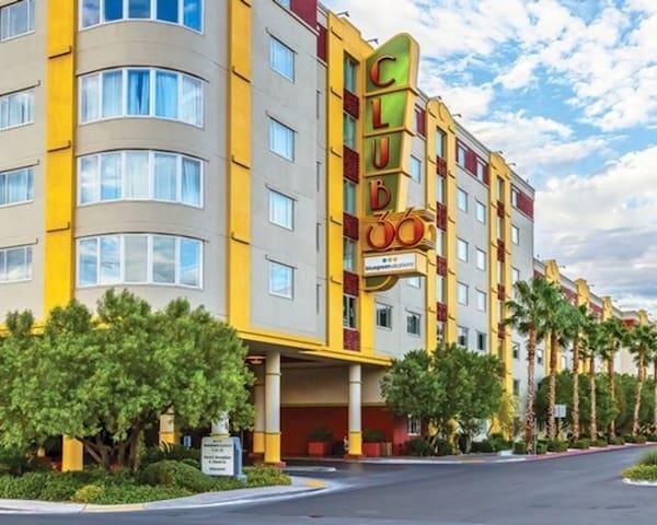 One Bedroom Luxury Condo - Las Vegas (A246)