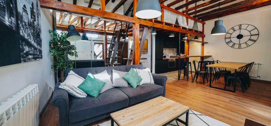 Stylish & Renewed apartment in Chamberí