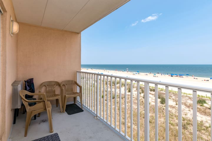 Barefoot Country 303 - Oceanfront Balcony