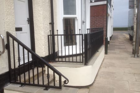 Furnished Serviced Apartmnt +wi fi - Cleethorpes - Apartment