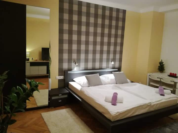One-bedroom apartment close to Old Town Square