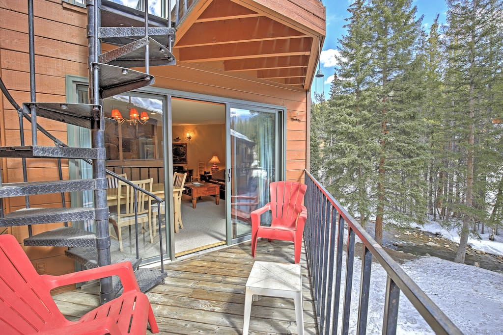 While on the private balcony, listen to the soothing sounds of the Fraser River that runs alongside this beautiful property!