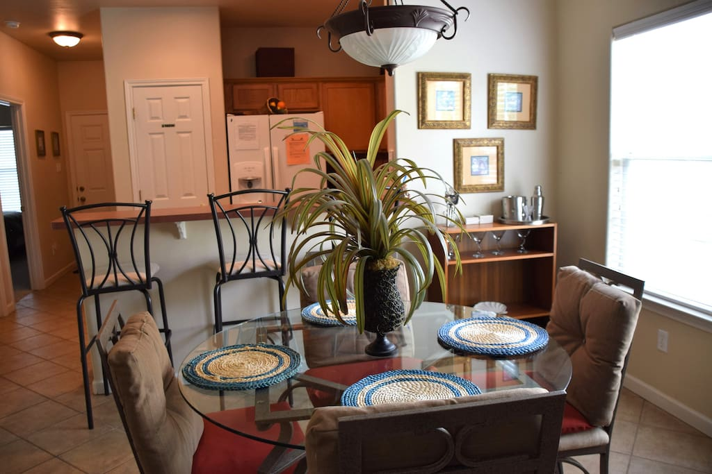 9th St Town House #303-Dinning Room