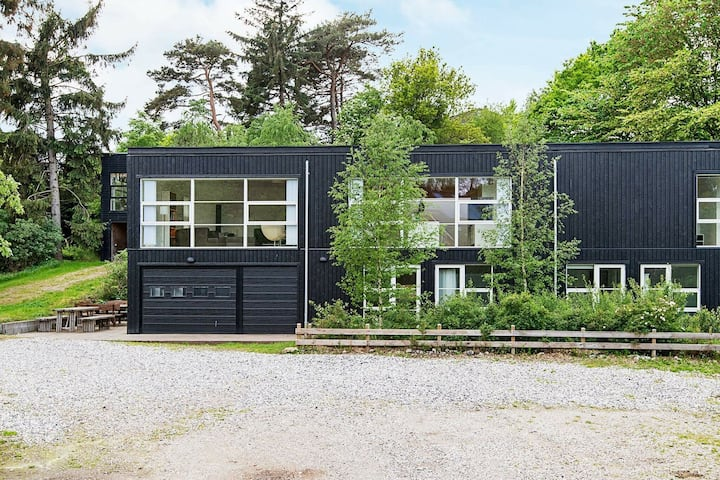 Gorgeous Holiday Home in Ebeltoft with Jacuzzi