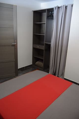 Coin Dressing Chambre 1