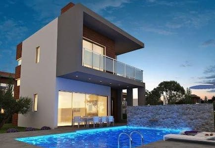 Coral Bay Luxury Villa 3 bedroom - Peyia