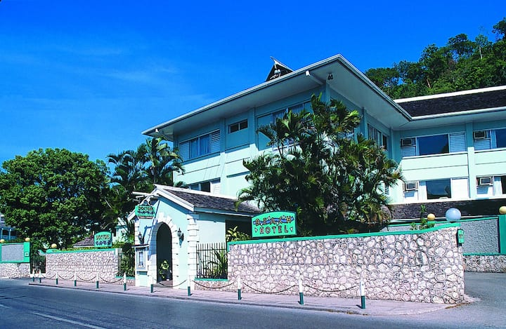 A Great Value on Montego Bay's Hip Strip