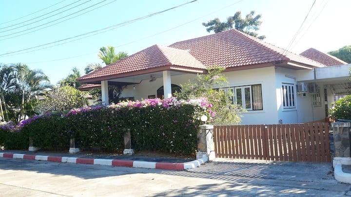 Mae Rampung Beach House VIP ( with resort pools)