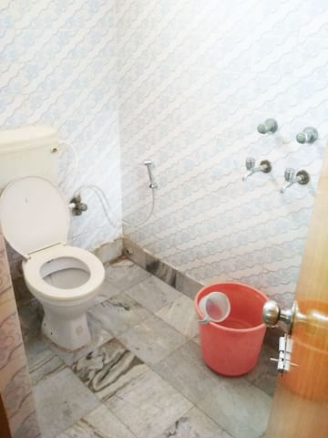 Master Bedroom attached Toilet