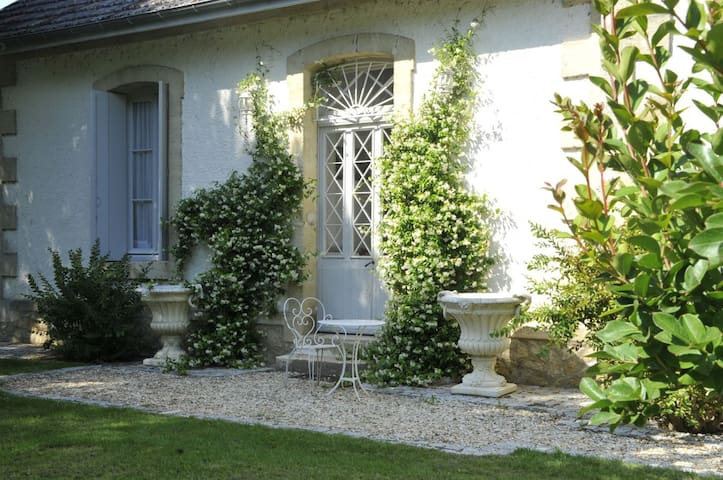 Gite of charm in lovely old villa with pool